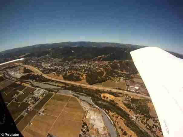 dinfo.gr - GoPro κάμερα πέφτει από αεροπλάνο. Δεν φαντάζεστε που προσγειώνεται!