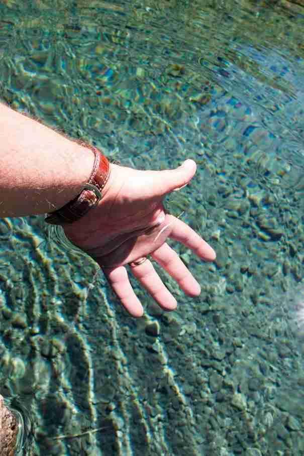 dinfo.gr - Μια λίμνη τόσο καθαρή που βλέπεις από έξω το βυθό της στα 80 μέτρα!