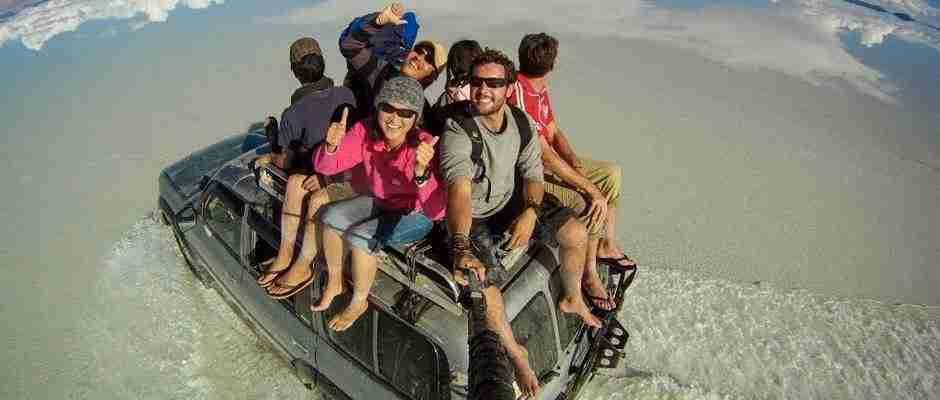 Ο γύρος του κόσμου στην πιο επική selfie όλων των εποχών!