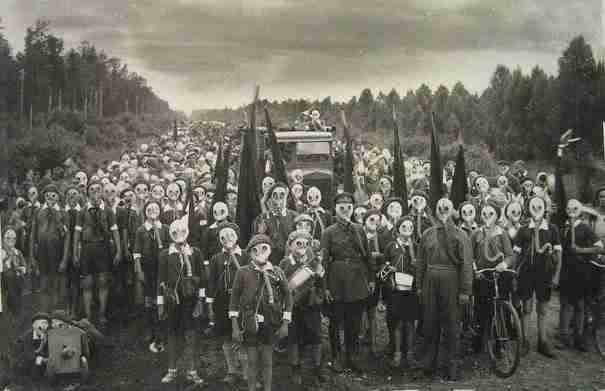 dinfo.gr - Miyakejima, η πόλη που όλοι φορούν συνεχώς αντιασφυξιογόνες μάσκες