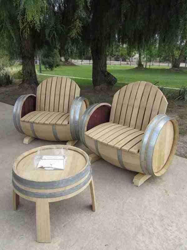 dinfo.gr - Έχετε παλιά ξύλινα βαρέλια; Αν ναι, δείτε τι μπορείτε να φτιάξετε με αυτά..