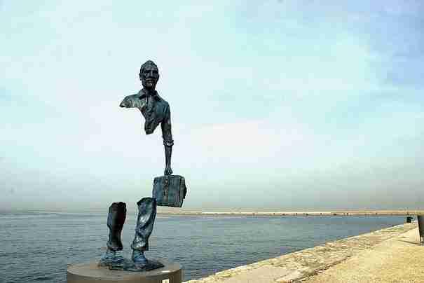 «Les Voyageurs», Μασσαλία, Γαλλία