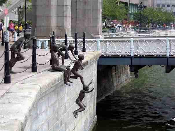 25 από τα πιο παράξενα αλλά και πιο δημιουργικά γλυπτά και αγάλματα σε όλο τον κόσμο