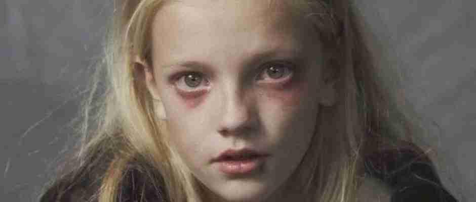 Ο θυμός, ο πόνος και ο αγώνας των θετών παιδιών σε ένα συγκινητικό βίντεο