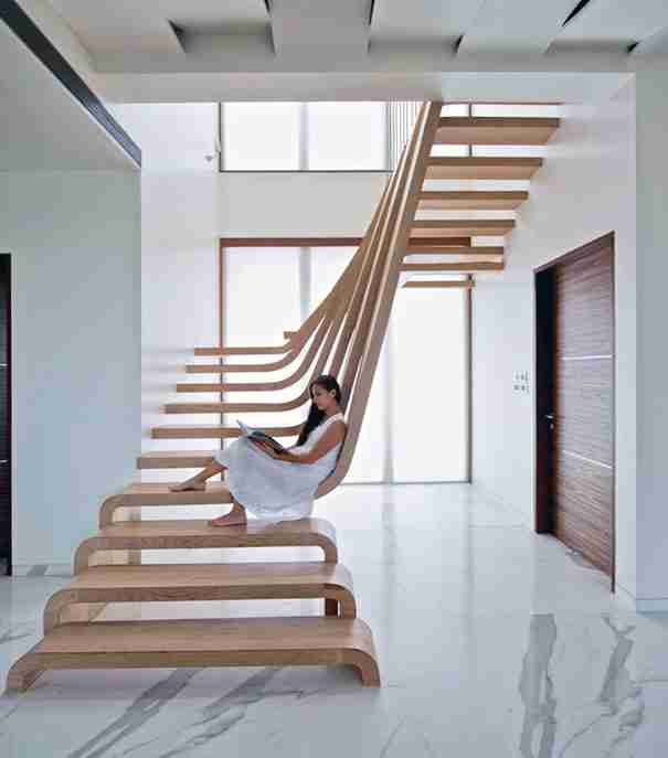 22 εντυπωσιακές εσωτερικές σκάλες που θα κάνουν την άνοδο στο πάνω όροφο λιγότερο ενοχλητική