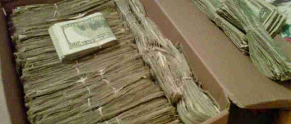 Ένας παππούς βρήκε 95.000 δολάρια που η γυναίκα του έκρυβε για χρόνια. Για έναν απίστευτο λόγο!