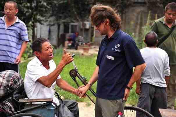 Ο άνθρωπος που θυσίασε τα πάντα για να βοηθήσει τους συνανθρώπους του