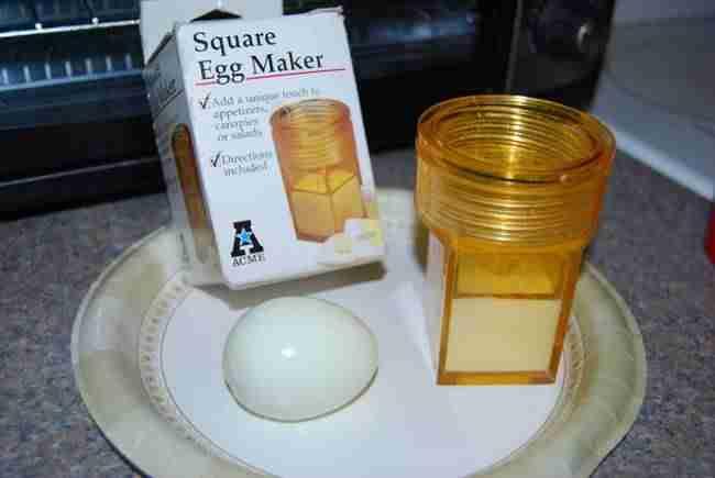 10. Το εργαλείο που δίνει στα αυγά τετράγωνο σχήμα
