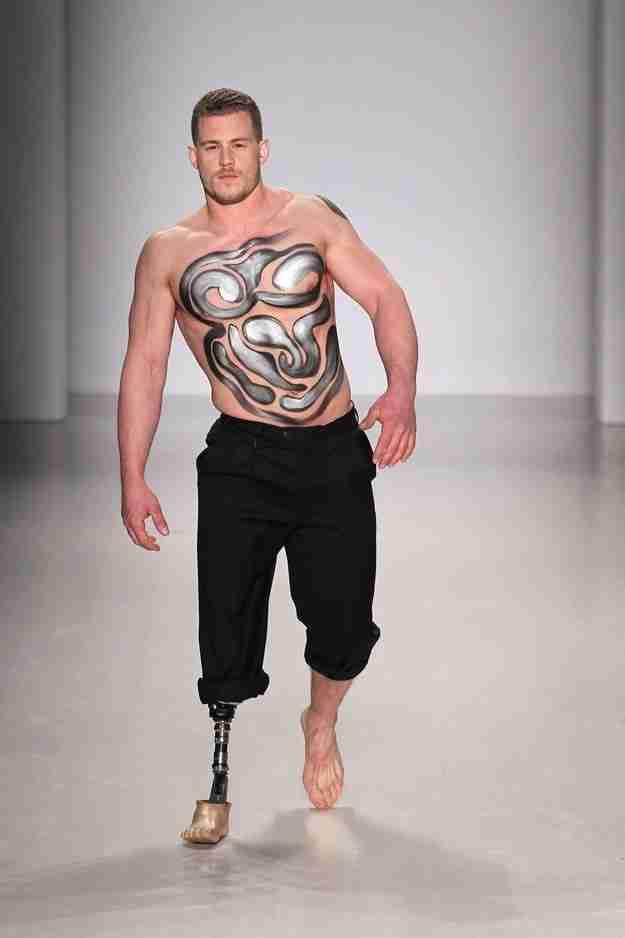Για πρώτη φορά μοντέλα με αναπηρίες ανεβαίνουν στη πασαρέλα της Νέας Υόρκης