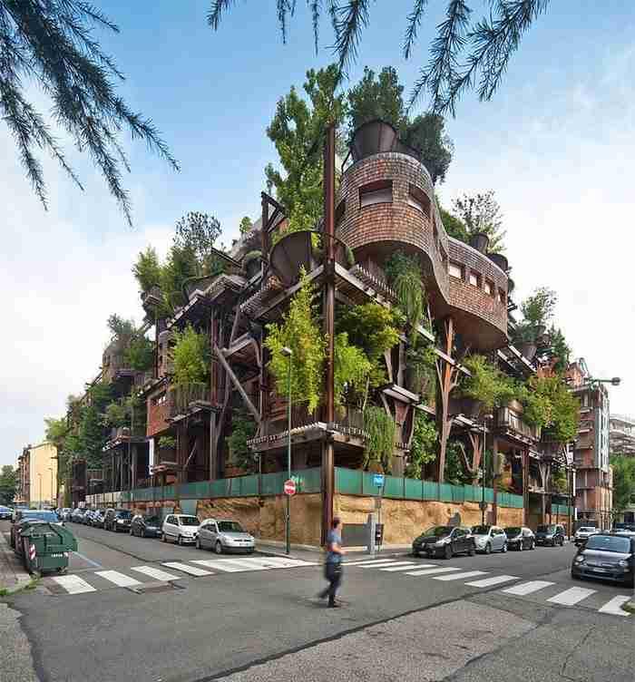 Ο Ιταλός αρχιτέκτονας Luciano Pia συγχωνεύει με υπέροχο τρόπο το αστικό τοπίο με στοιχεία από το φυσικό περιβάλλον.
