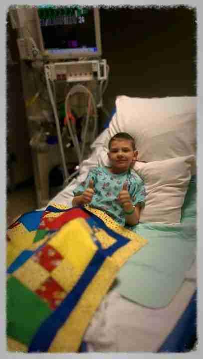 Όταν οι γιατροί του αφαίρεσαν τους επιδέσμους ο μικρός Κάρτερ πρόσεξε το σώμα του και παρατήρησε με μεγάλη του λύπη ότι είχε παντού μεγάλα σημάδια.