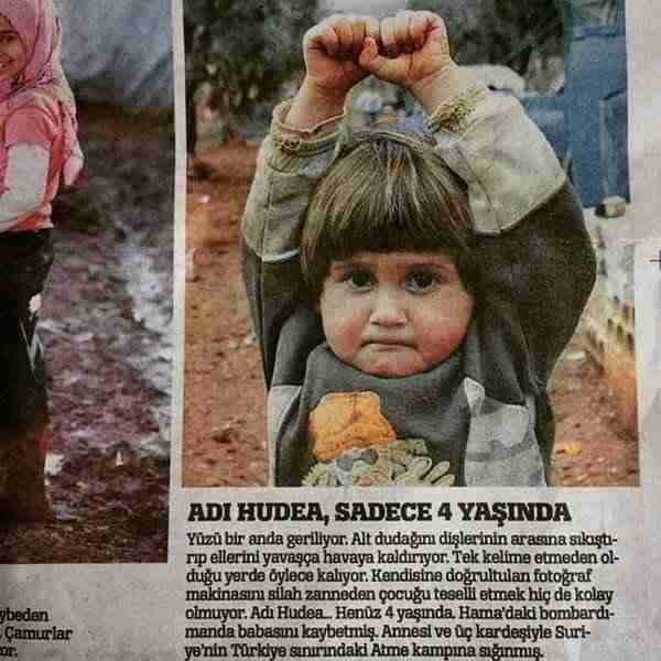 Σήκωσε την κάμερα για να φωτογραφίσει ένα 4χρονο Σύριο κοριτσάκι. Δείτε την αντίδραση του παιδιού.