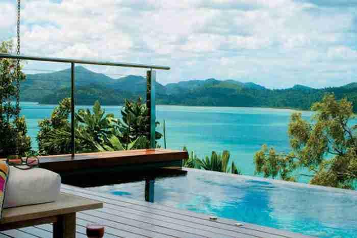 Πισίνα στο ξενοδοχείο Qualia στο νησί Hamilton
