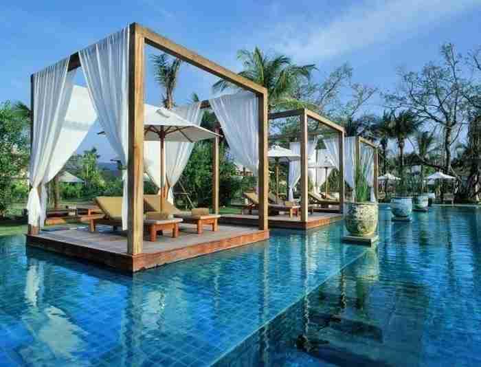 Η πισίνα του θέρετρου Sarojin στο Κάο Λακ, Phang Nga, Ταϊλάνδη