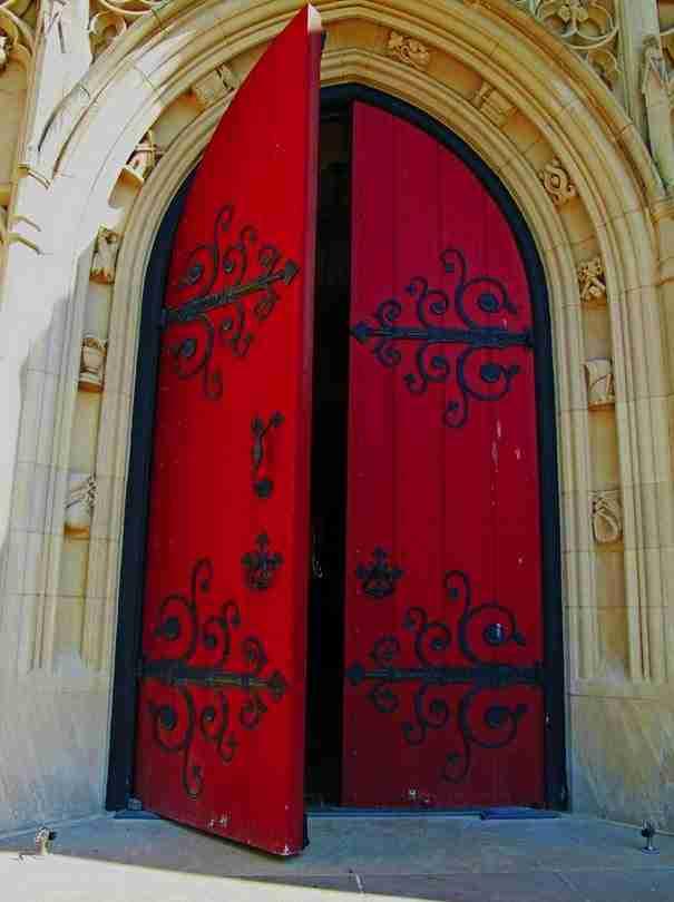 Ποια από αυτές τις πόρτες θα άνοιγες; Διάλεξε μια και κάνε μια αναπάντεχη ανακάλυψη