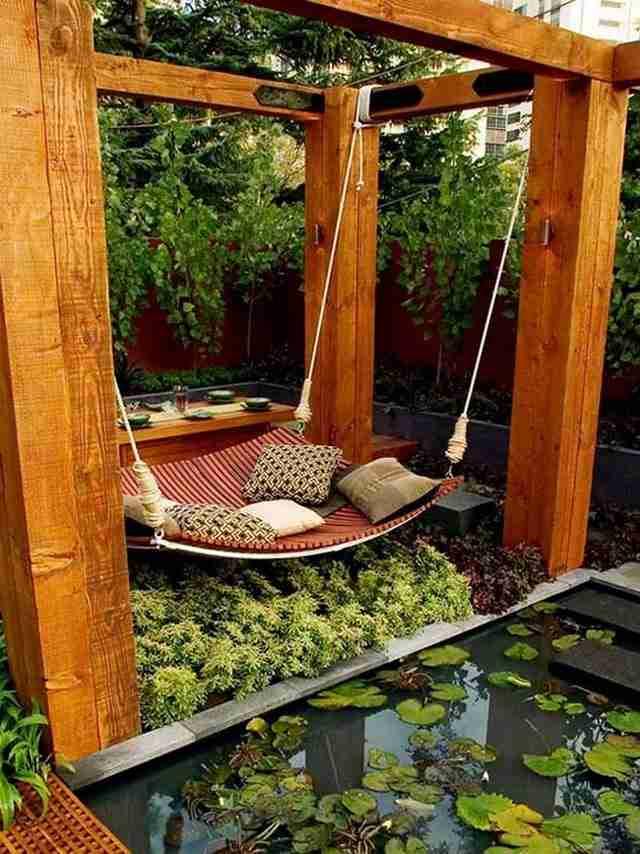 Ένα σαλόνι στην αυλή