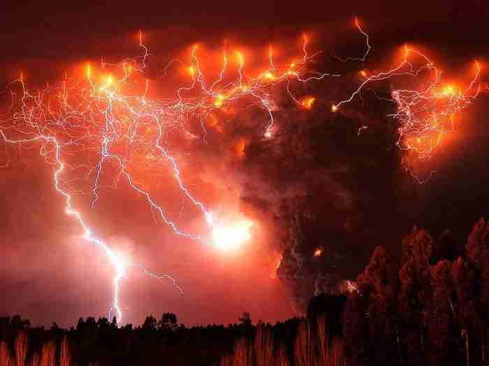 Ηφαιστειακοί κεραυνο