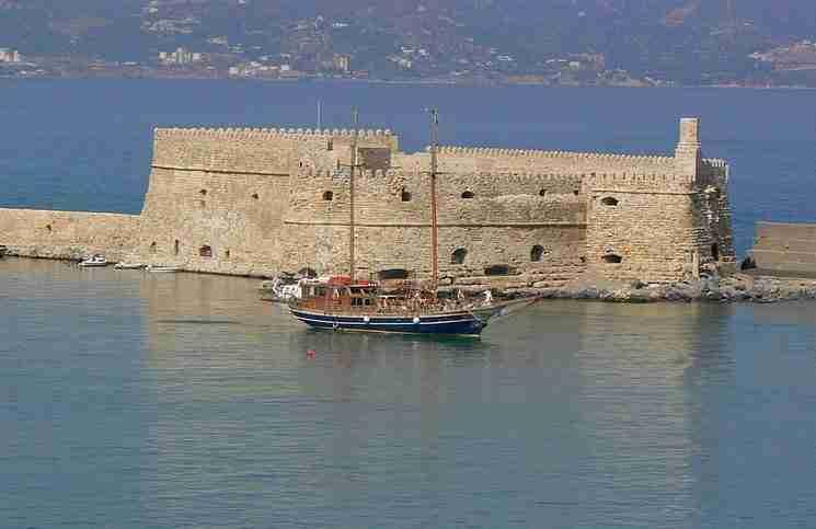 Κάστρο Κουλέ ή Μέγας Κουλές ή Rocca al Mare