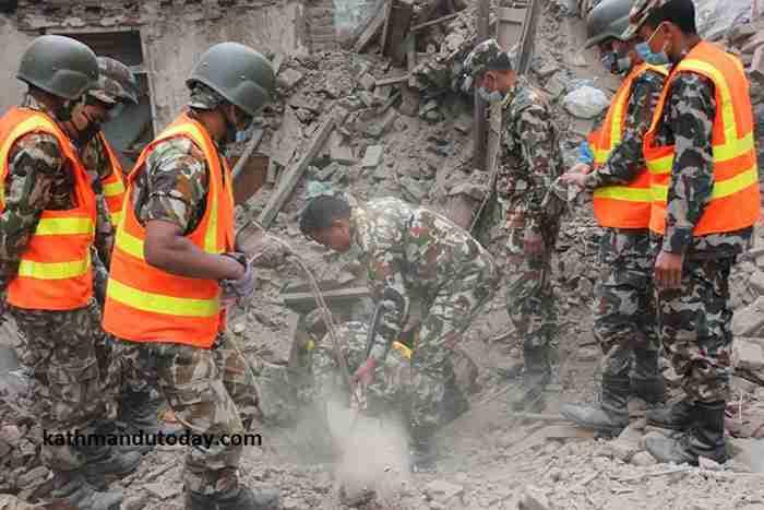 Ο 4-μηνών Sonit Awal εγκλωβίστηκε στα χαλάσματα από τον καταστροφικό σεισμό στο Νεπάλ