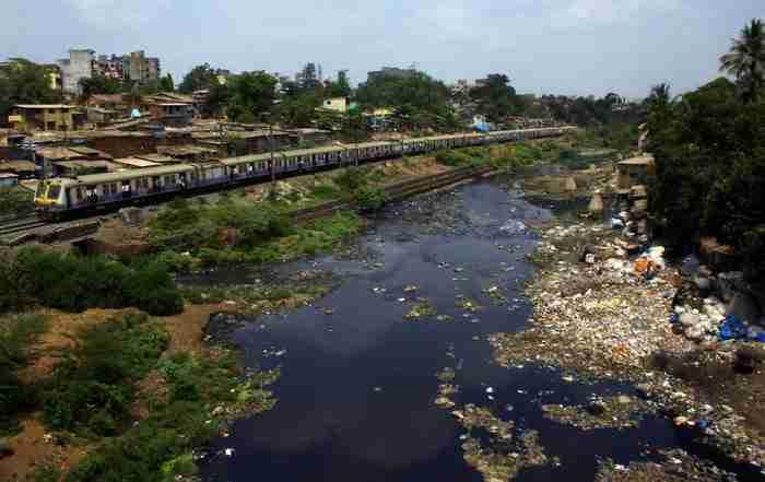 Ποταμός στα προάστια της Βομβάης