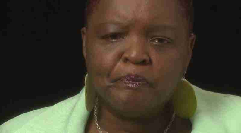 Ο έφηβος Oshea Israel καταδικάστηκε σε 25 χρόνια στη φυλακή για τη δολοφονία του Laramiun. Για την Mary Johnson όμως η καταδίκη του δεν σήμαινε κάτι.
