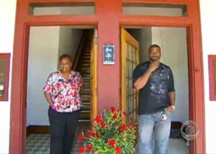 Η Mary και ο Oshea έγιναν γείτονες. Για την ακρίβεια τους χωρίζει μόνο ένας τοίχος στην κοινότητα Northside  της Μινεάπολης.