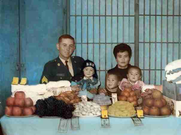 Φίλησε τα παιδιά του και τους υποσχέθηκε ότι θα επιστρέψει. 40 χρόνια μετά..