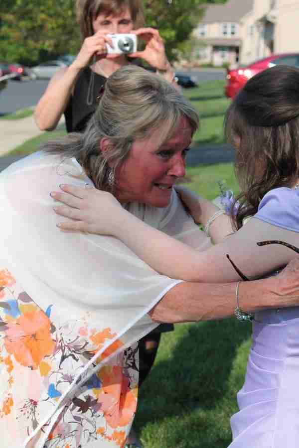 Όταν πήγαιναν σχολείο της έδωσε μία υπόσχεση. 7 χρόνια μετά ήρθε η ώρα να τηρήσει το λόγο του
