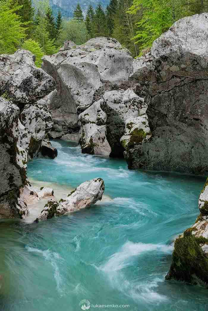 Το αποκαλούν το ωραιότερο ποτάμι στη Γη. Όταν το δείτε αυτό μάλλον θα συμφωνήσετε..