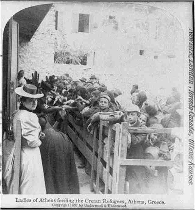 Αθηναίες στα συσσίτια προσφύγων της Κρήτης – 1897