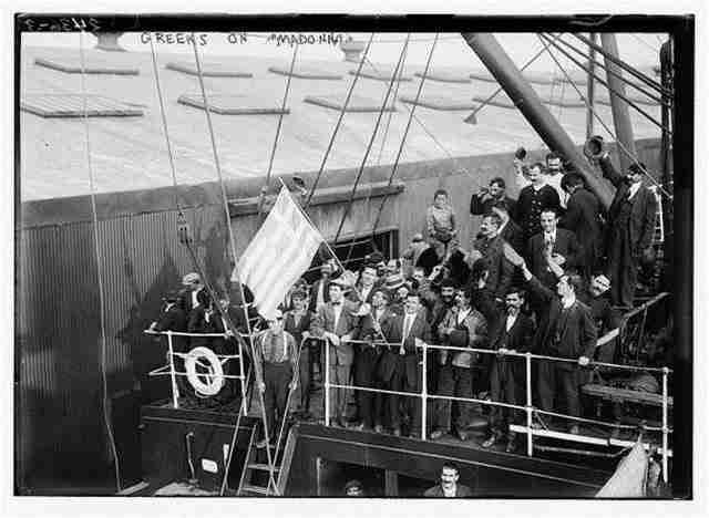 Οι Έλληνες μετανάστες στο πλοίο Madonna