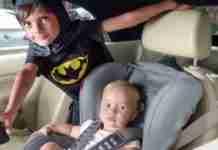 Δεν μπορούσαν να βγάλουν το μωρό από το αυτοκίνητο. Μέχρι που εμφανίστηκε ένα 5χρονος υπερήρωας!