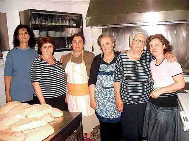 Η 91χρονη που επί 32 χρόνια προσφέρει εθελοντικά φαγητό σε εκατοντάδες άπορους ανθρώπους