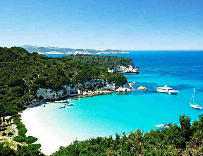 Παξοί - Αντίπαξοι: ο μικροσκοπικός μαγνήτης του Ιονίου με τις ομορφότερες παραλίες