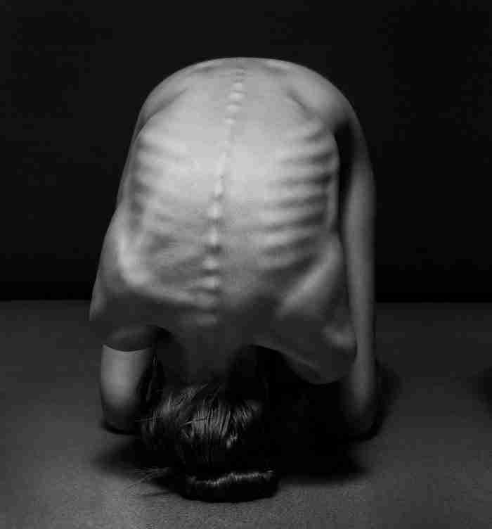 Φωτογράφος καταγράφει με μοναδικό τρόπο την ομορφιά του γυναικείου σώματος