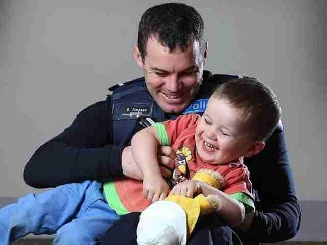 Ο Αστυφύλακας Τίμπσον και ο μικρός Φλιντ συναντήθηκαν ξανά στο νοσοκομείο