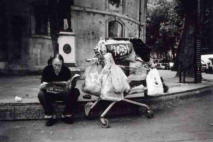 """""""Όλα όσα μου ανήκουν"""" ή """"οι τσάντες της ζωής"""" του David Tovey"""