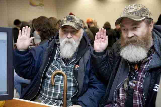 Δύο άνδρες παντρεύονται στην Ουάσιγκτον μετά την απόφαση του κράτους να νομιμοποιήσει τους γάμους των ομοφυλοφίλων.