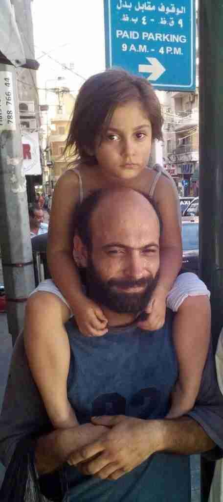 Ο Αμπντούλ εργαζόταν σε ένα εργοστάσιο σοκολάτας στη Συρία.