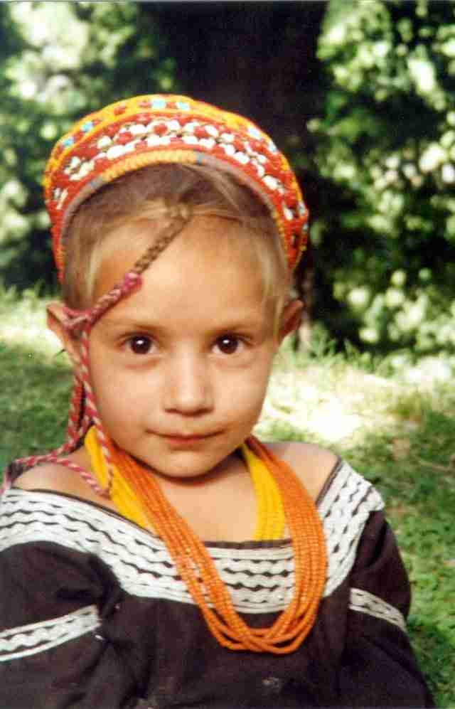 Ζουν 120 χρόνια, αρρωσταίνουν σπάνια, οι γυναίκες της φυλής στα 40 τους μοιάζουν κοριτσάκια και στα 65 κάνουν παιδιά