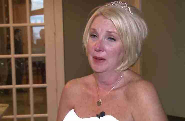 Αυτή η γυναίκα παντρεύτηκε έναν ανάπηρο άντρα. Κάτι όμως συνέβη στο γάμο της που θα το θυμάται για πάντα! Αυτό που θα διαβάσετε είναι συγκινητικό και πολύ όμορφο ταυτόχρονα.