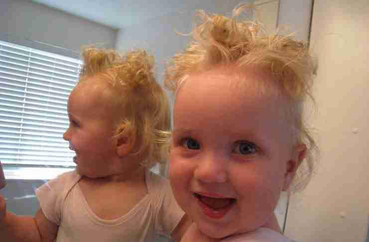 35 φωτογραφίες χαριτωμένων μωρών με μαλλιά που.. προκαλούν γέλιο!