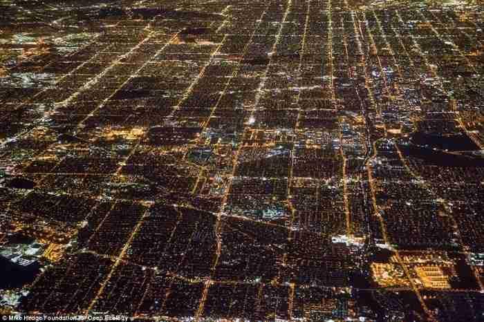 Μια βραδινή εναέρια ματιά στο κέντρο του Λος Άντζελες.
