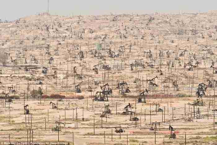 Κοιτάσματα πετρελαίου στην Καλιφόρνια και η ανελέητη υπερεκμετάλλευση του από τον άνθρωπο.