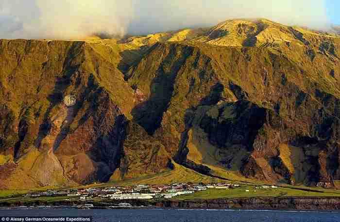 Tristan da Cunha, Αγία Ελένη