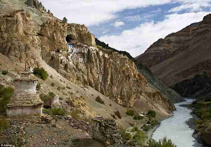 Phugtal Monastery, Ινδία