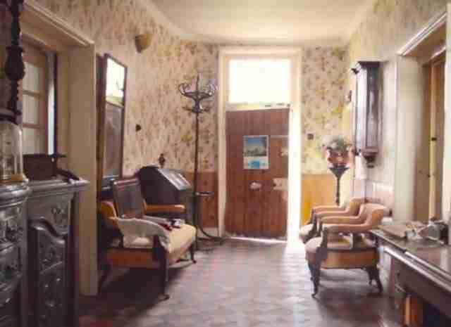 Το εσωτερικό αυτού του σπιτιού έχει μείνει ανέγγιχτο από το.. 1940!