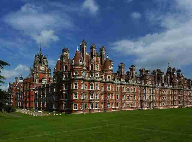 Μόνο η πόλη του Λονδίνου έχει 43 πανεπιστήμια!