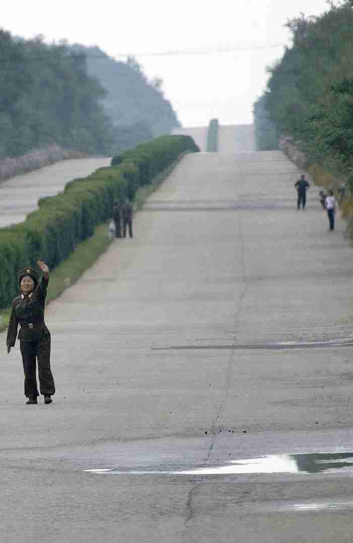 28 φωτογραφίες που κάποιος έβγαλε κρυφά από τη Βόρεια Κορέα, παρουσιάζουν το πραγματικό της πρόσωπο