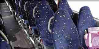 Αναρωτηθήκατε ποτέ γιατί τα καθίσματα των λεωφορείων έχουν αυτά τα περίεργα καλύμματα; Το μυστήριο λύθηκε!